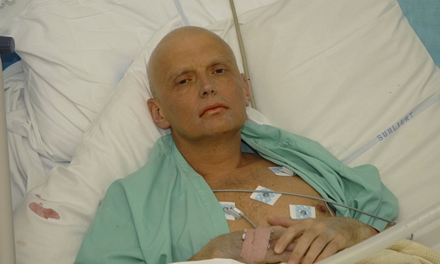 Litvinenko in bed at University College Hospital 2006 (AFP)