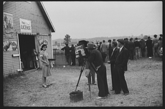 Essex Junction, Vermont. Tintype photographer at the Champlain Valley Exposition. Jack Delano, August 1941.