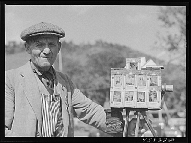 Tintype photographer at the World's Fair at Tunbridge, Vermont. Jack Delano, September 1941.