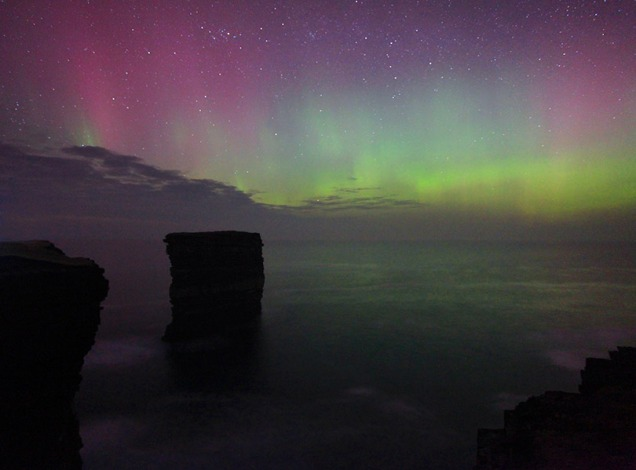 Image adjusted to replicate the typical treatment of UK and Ireland aurora shots posted from the St Patrick's Day display.